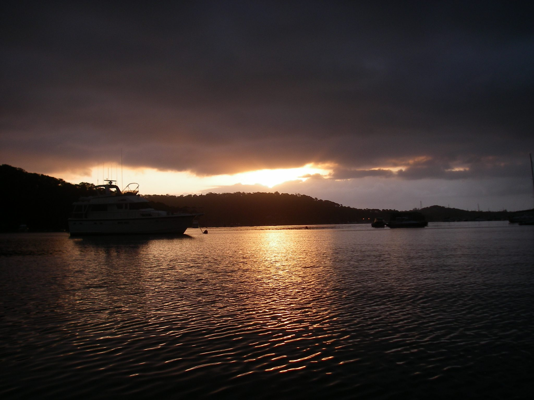 10. Pittwater sunrise from Joyful at her mooring.JPG